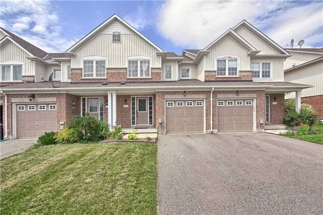 Townhouse at 129 Hammill Heights Dr, East Gwillimbury, Ontario. Image 1