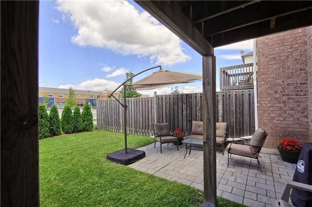 Townhouse at 129 Hammill Heights Dr, East Gwillimbury, Ontario. Image 10