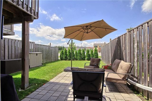 Townhouse at 129 Hammill Heights Dr, East Gwillimbury, Ontario. Image 11