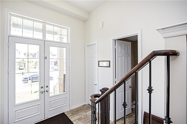 Detached at 65 Cauthers Cres, New Tecumseth, Ontario. Image 12