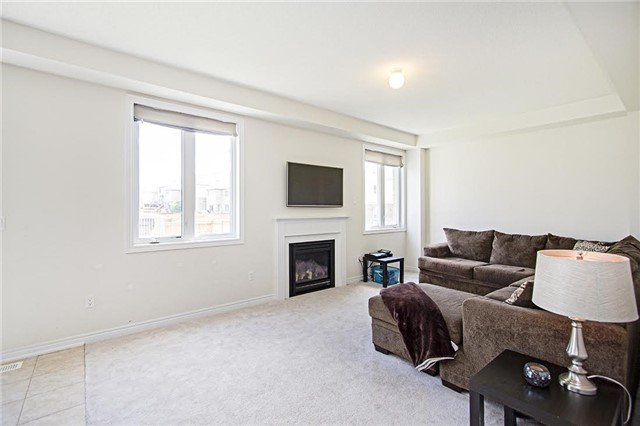 Detached at 65 Cauthers Cres, New Tecumseth, Ontario. Image 15