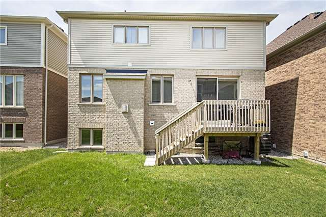 Detached at 65 Cauthers Cres, New Tecumseth, Ontario. Image 10