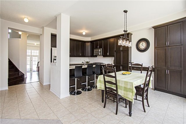 Detached at 65 Cauthers Cres, New Tecumseth, Ontario. Image 11