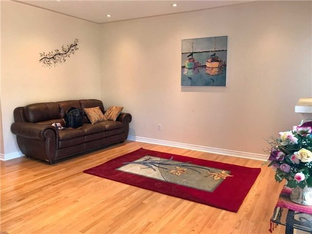 Link at 68 Tidewater St, Markham, Ontario. Image 18