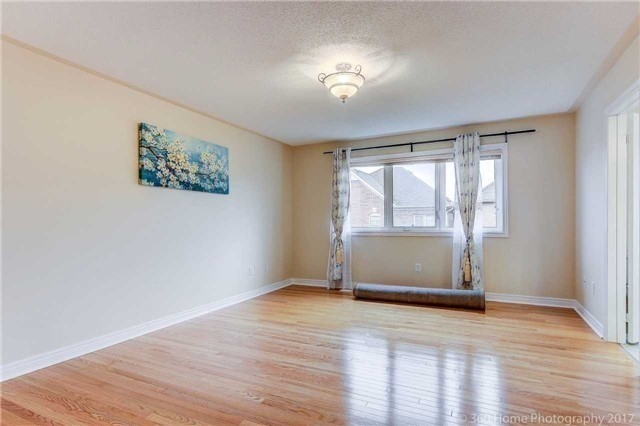 Link at 68 Tidewater St, Markham, Ontario. Image 3