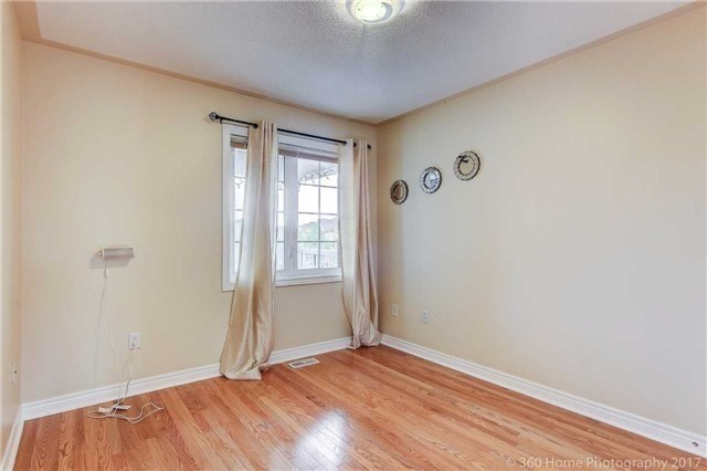 Link at 68 Tidewater St, Markham, Ontario. Image 6