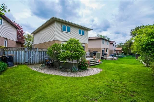Detached at 25 Spring St, Whitchurch-Stouffville, Ontario. Image 12