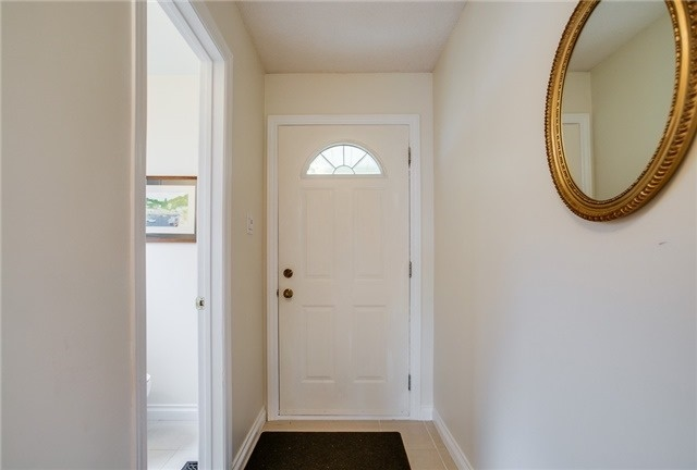 Detached at 25 Spring St, Whitchurch-Stouffville, Ontario. Image 14