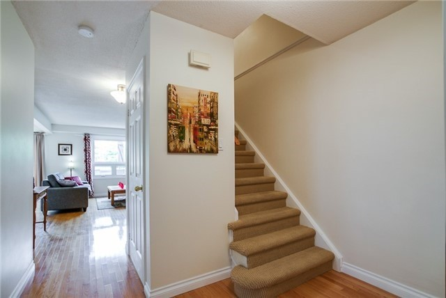 Detached at 25 Spring St, Whitchurch-Stouffville, Ontario. Image 15