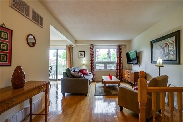 Detached at 25 Spring St, Whitchurch-Stouffville, Ontario. Image 16