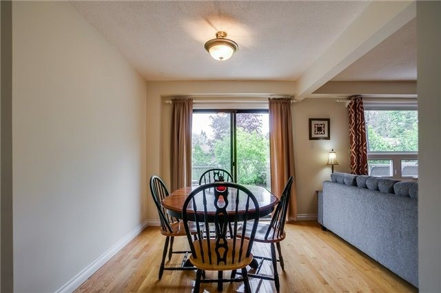 Detached at 25 Spring St, Whitchurch-Stouffville, Ontario. Image 18