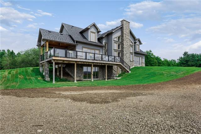 Detached at 4375 14 Line, Innisfil, Ontario. Image 1