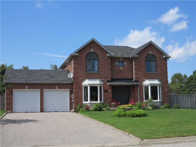 Detached at 2122 Fennell Dr, Innisfil, Ontario. Image 1