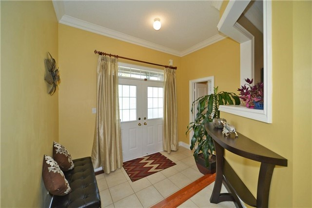 Detached at 83 Ampezzo Ave, Vaughan, Ontario. Image 12