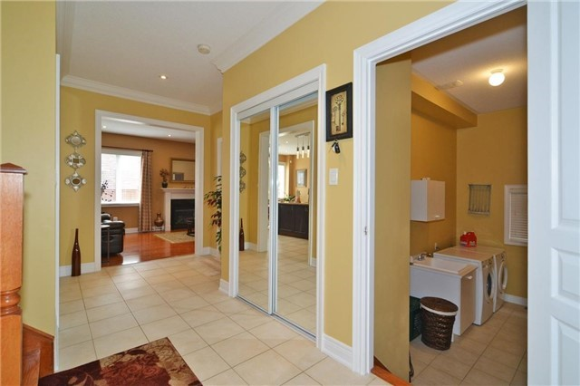 Detached at 83 Ampezzo Ave, Vaughan, Ontario. Image 18