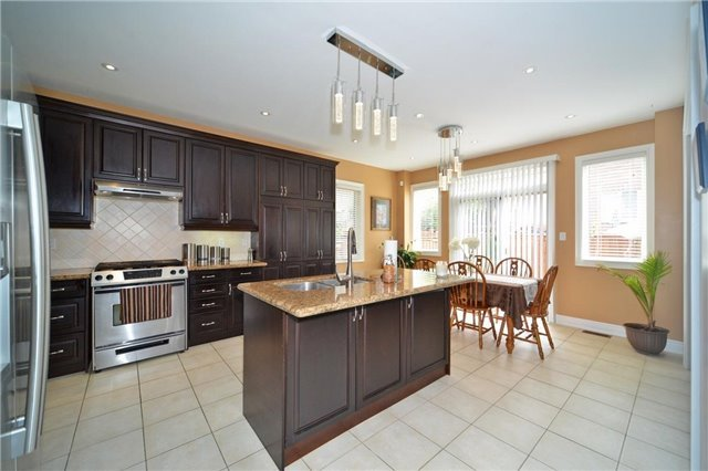 Detached at 83 Ampezzo Ave, Vaughan, Ontario. Image 20