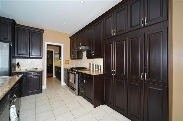 Detached at 83 Ampezzo Ave, Vaughan, Ontario. Image 2