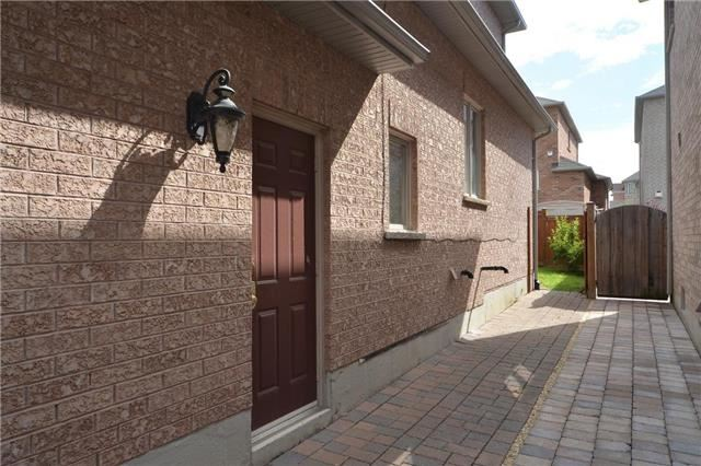 Detached at 83 Ampezzo Ave, Vaughan, Ontario. Image 11