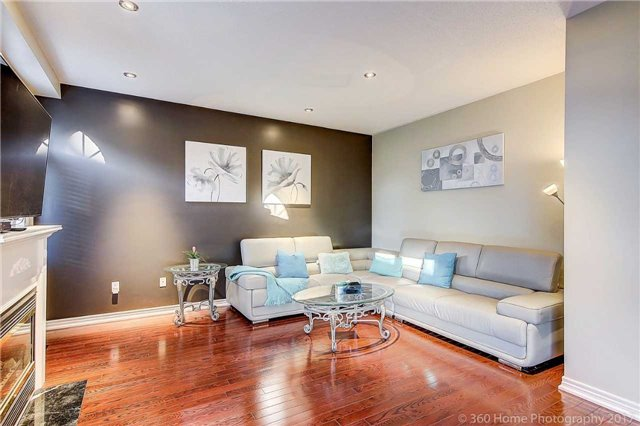 Detached at 129 Gemini Cres, Richmond Hill, Ontario. Image 18