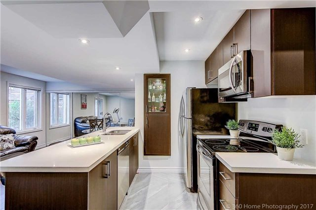 Detached at 129 Gemini Cres, Richmond Hill, Ontario. Image 9