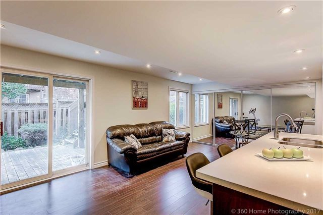 Detached at 129 Gemini Cres, Richmond Hill, Ontario. Image 10