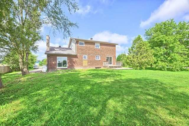 Detached at 5211 11th Line, Innisfil, Ontario. Image 13