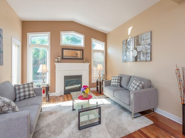 Townhouse at 57 Cedarcrest Cres, Richmond Hill, Ontario. Image 2