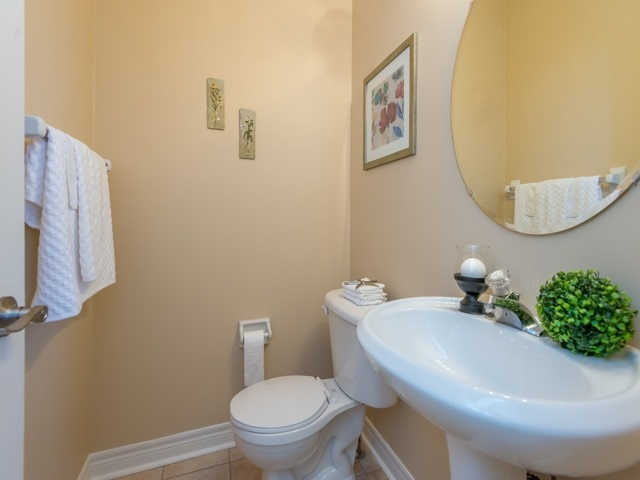 Townhouse at 57 Cedarcrest Cres, Richmond Hill, Ontario. Image 5