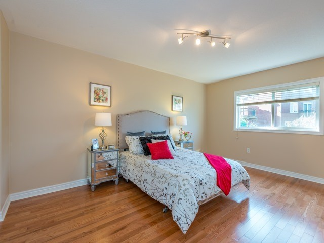 Townhouse at 57 Cedarcrest Cres, Richmond Hill, Ontario. Image 6