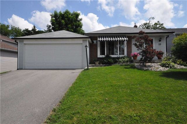 Detached at 19 Holland River Blvd, East Gwillimbury, Ontario. Image 1