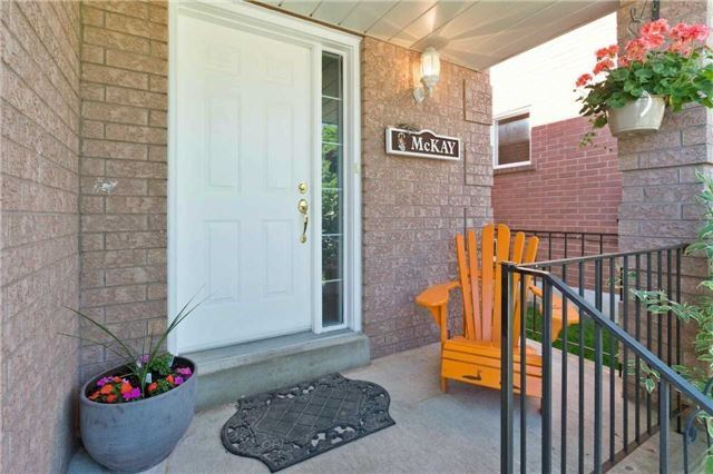 Detached at 376 Rushbrook Dr, Newmarket, Ontario. Image 12