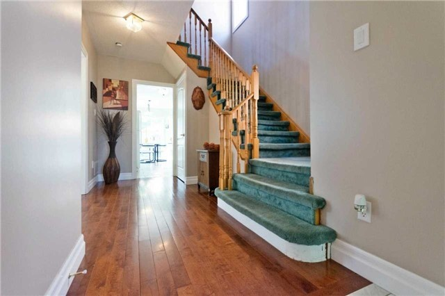 Detached at 376 Rushbrook Dr, Newmarket, Ontario. Image 15