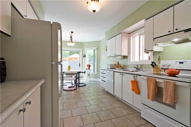 Detached at 376 Rushbrook Dr, Newmarket, Ontario. Image 16