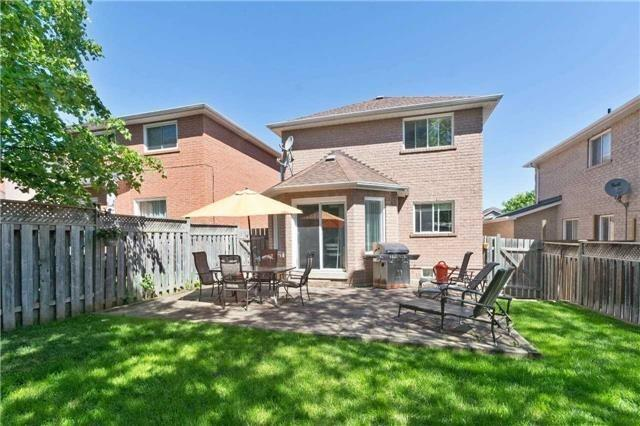 Detached at 376 Rushbrook Dr, Newmarket, Ontario. Image 10