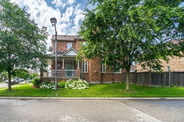 Townhouse at 1 Harry Blaylock Dr, Markham, Ontario. Image 7