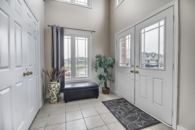 Detached at 531 Woodspring Ave, East Gwillimbury, Ontario. Image 14