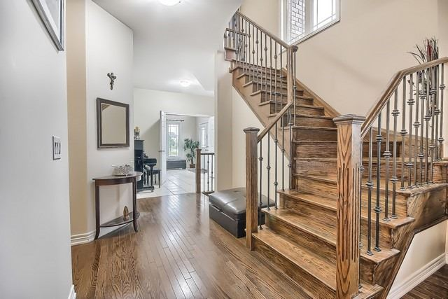 Detached at 531 Woodspring Ave, East Gwillimbury, Ontario. Image 15