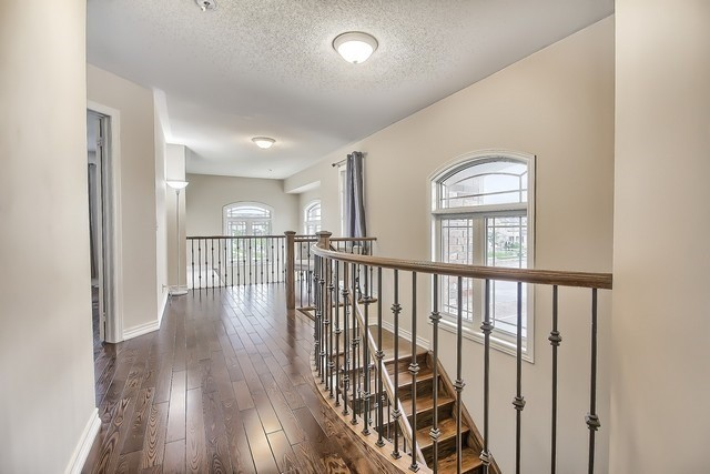 Detached at 531 Woodspring Ave, East Gwillimbury, Ontario. Image 5