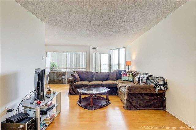 Condo Apartment at 7905 Bayview Ave, Unit 803, Markham, Ontario. Image 16