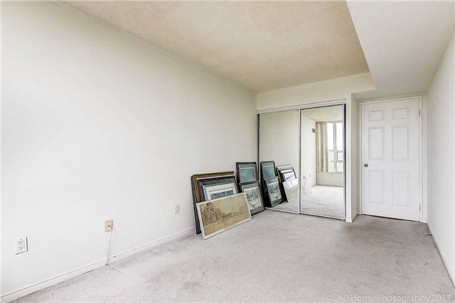 Condo Apartment at 7905 Bayview Ave, Unit 803, Markham, Ontario. Image 9