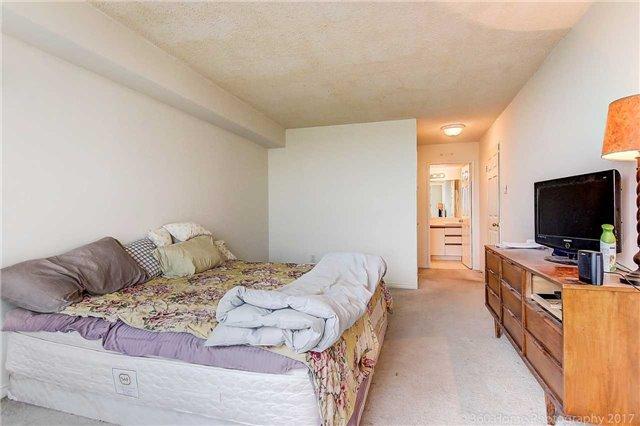 Condo Apartment at 7905 Bayview Ave, Unit 803, Markham, Ontario. Image 11