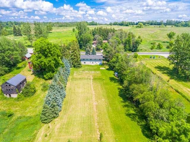 Detached at 16460 Weston Rd, King, Ontario. Image 12