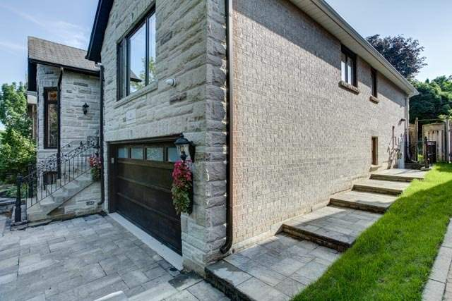 Detached at 55 Sisman Ave, Aurora, Ontario. Image 14