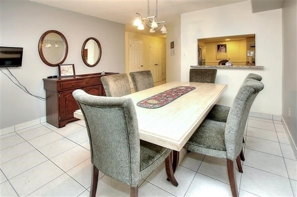 Condo Apartment at 100 Arbors Lane, Unit 116, Vaughan, Ontario. Image 16