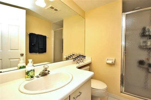 Condo Apartment at 100 Arbors Lane, Unit 116, Vaughan, Ontario. Image 2