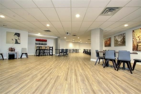 Condo Apartment at 100 Arbors Lane, Unit 116, Vaughan, Ontario. Image 10