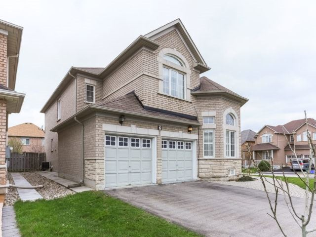 Detached at 2 Eminence Rd, Vaughan, Ontario. Image 1