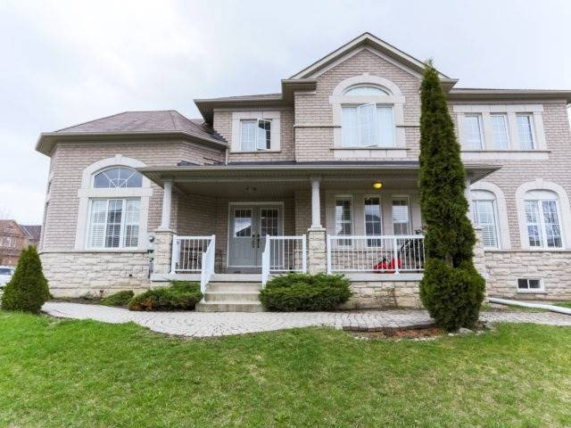 Detached at 2 Eminence Rd, Vaughan, Ontario. Image 9