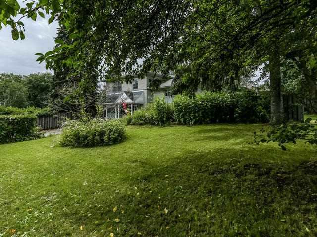 Detached at 2 Lincoln Green Dr, Markham, Ontario. Image 13