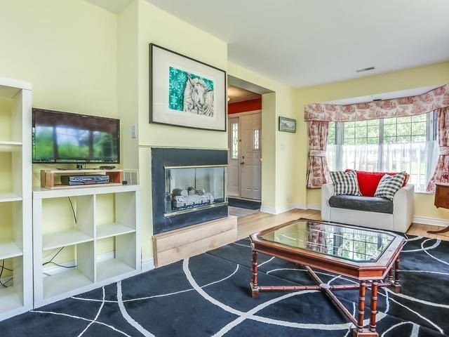 Detached at 2 Lincoln Green Dr, Markham, Ontario. Image 18
